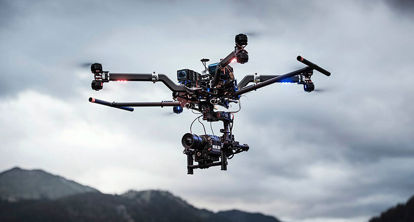 квадрокоптер для аэросъемок с камерой redalt
